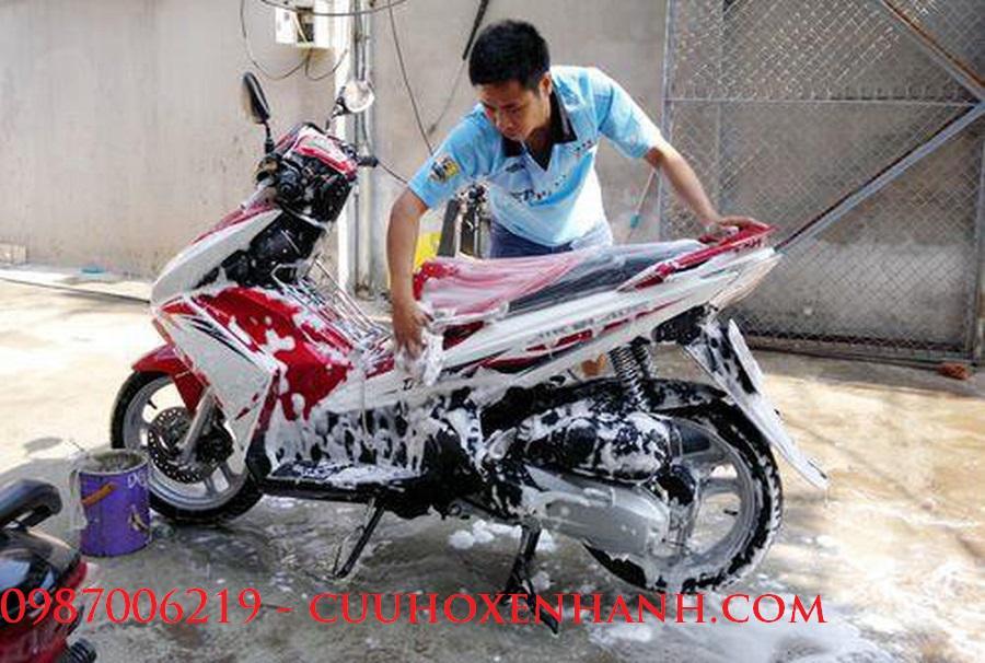 Bão dưỡng xe máy tại nhà