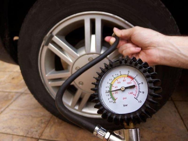 tiết kiệm xăng khi căng hơi