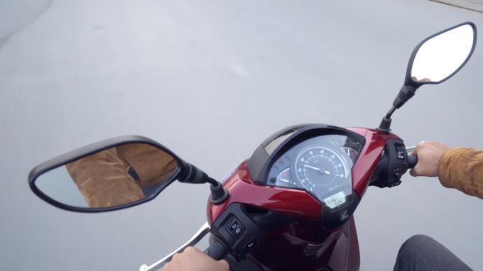 Gương chiếu hậu xe máy