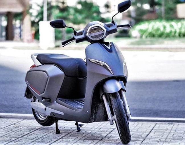 thông tin hữu ích giúp bạn lựa chọn giữa mua xe điện hay xe máy