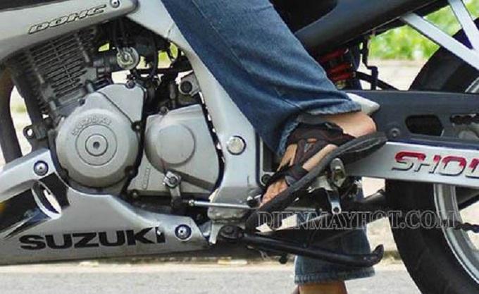 Có nhiều dấu hiệu để nhận biết xe máy bị rung